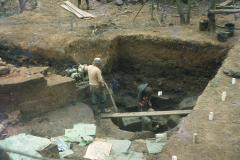 Excavating the gun casting pit: photo D. Meades